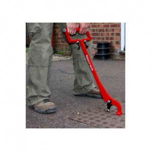 eazy-lift-manhole-cover-lifter-b