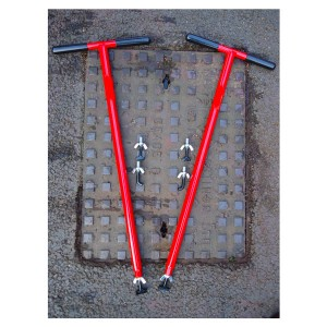 mini-lift-xl-manhole-cover-lifter-2